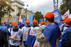 """Ogólnopolska manifestacja zorganizowana przez OPZZ pod hasłem """"Polska potrzebuje wyższych płac"""""""